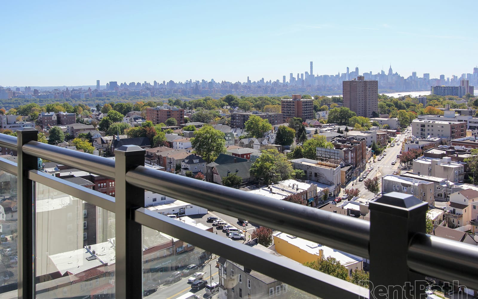 Beautiful New York Skyline from your balcony at The Centre