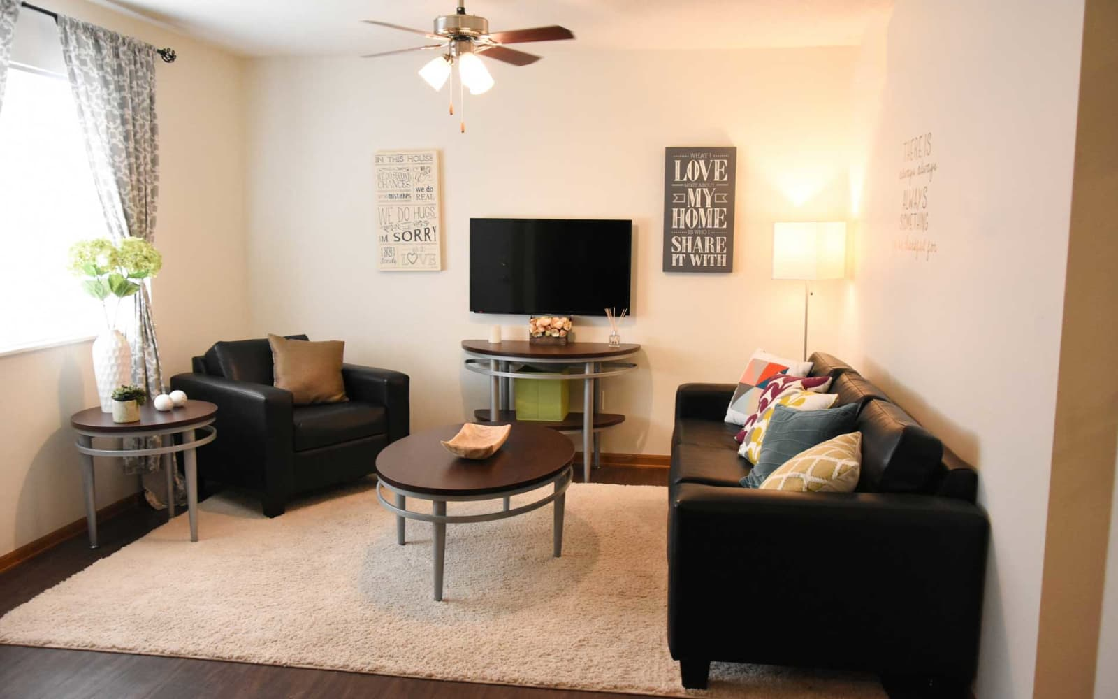 Cozy living room in an apartment at Reserve at Kirkwood in Cedar Rapids, Iowa