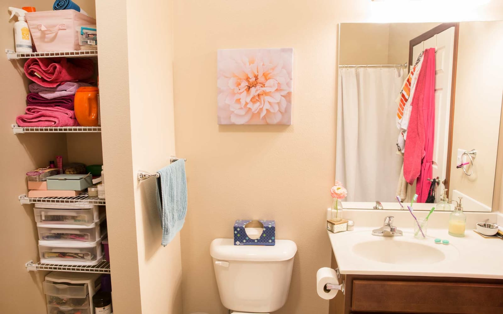 Decorated bathroom at Ironwood in Altoona, Iowa