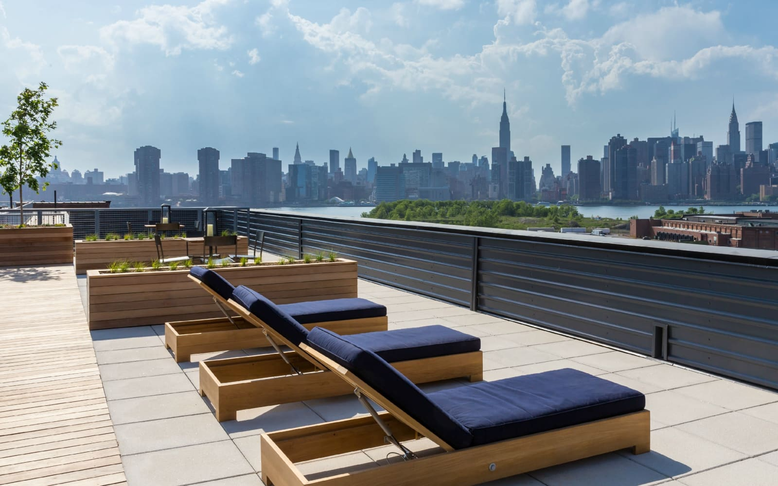 Terrace on the roof at Eleven33 in Brooklyn, New York