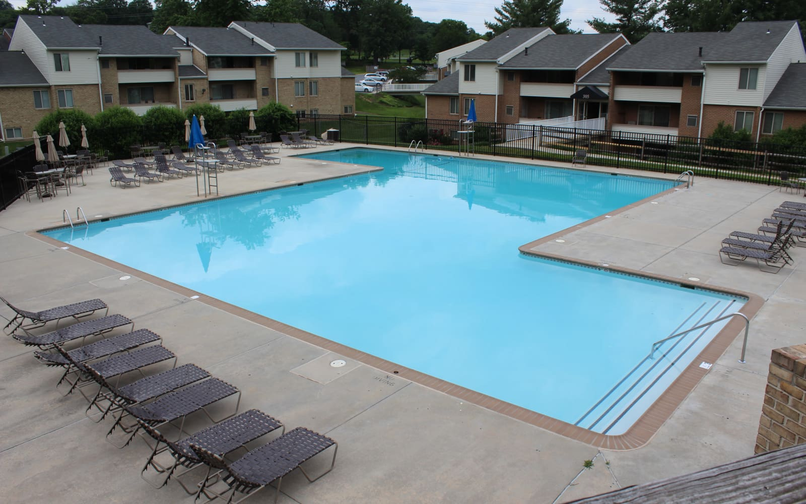 Hunt Club Apartments in Cockeysville, Maryland offers a pool for residents