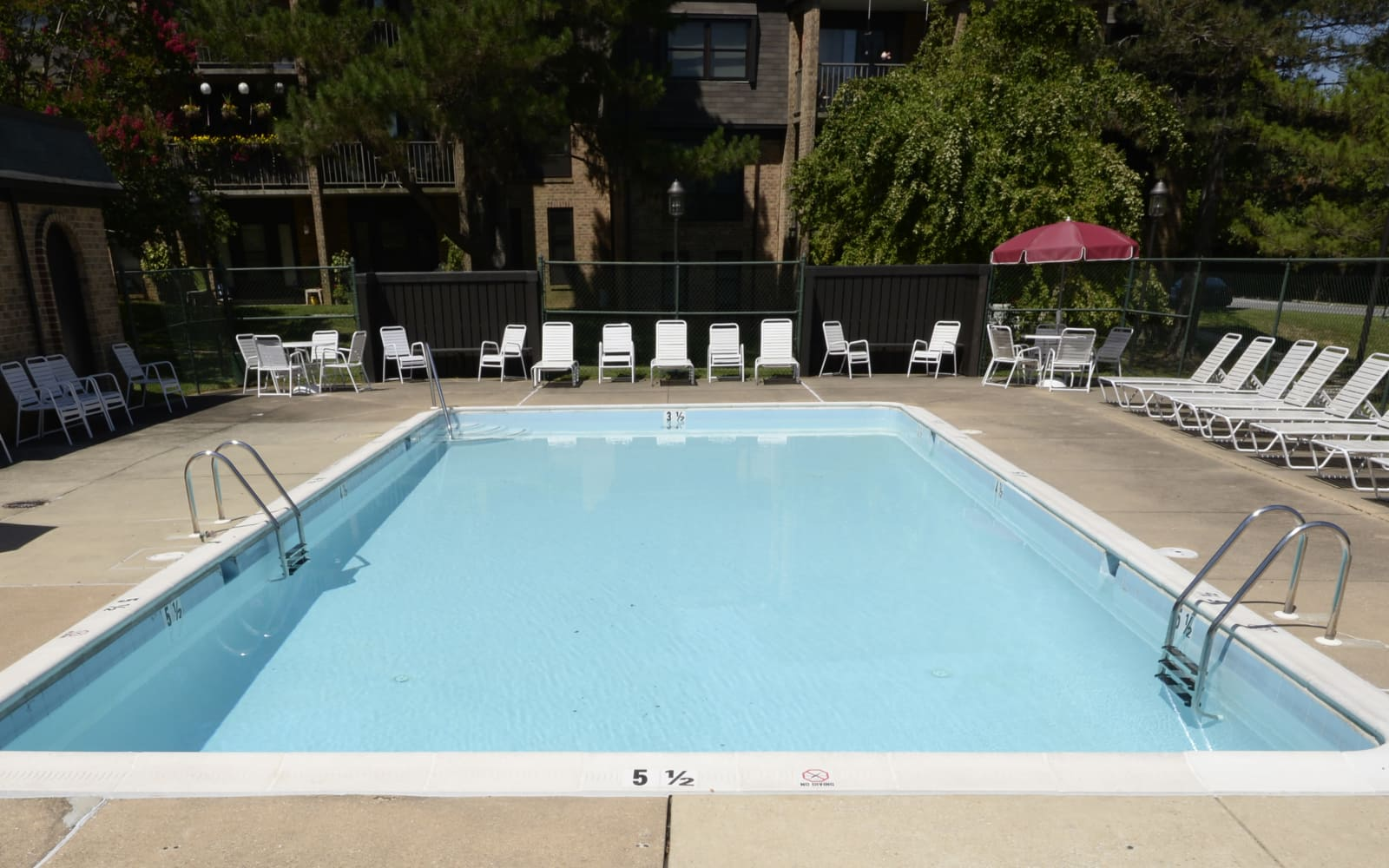 Charlesgate Apartments offers a swimming pool in Towson, Maryland