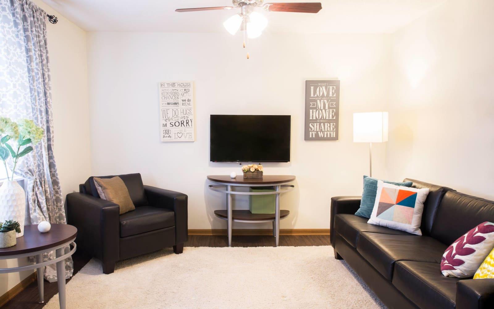 A comfortable living room at Prairie Reserve in Cedar Rapids, Iowa