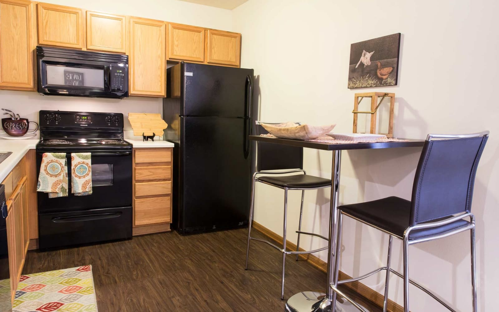 Apartment kitchen and dining room at Prairie Reserve in Cedar Rapids, Iowa