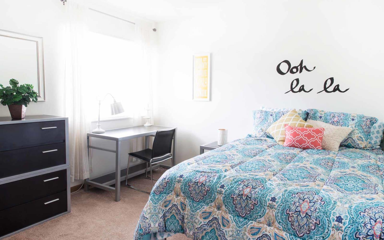 A spacious bedroom at Prairie Reserve in Cedar Rapids, Iowa