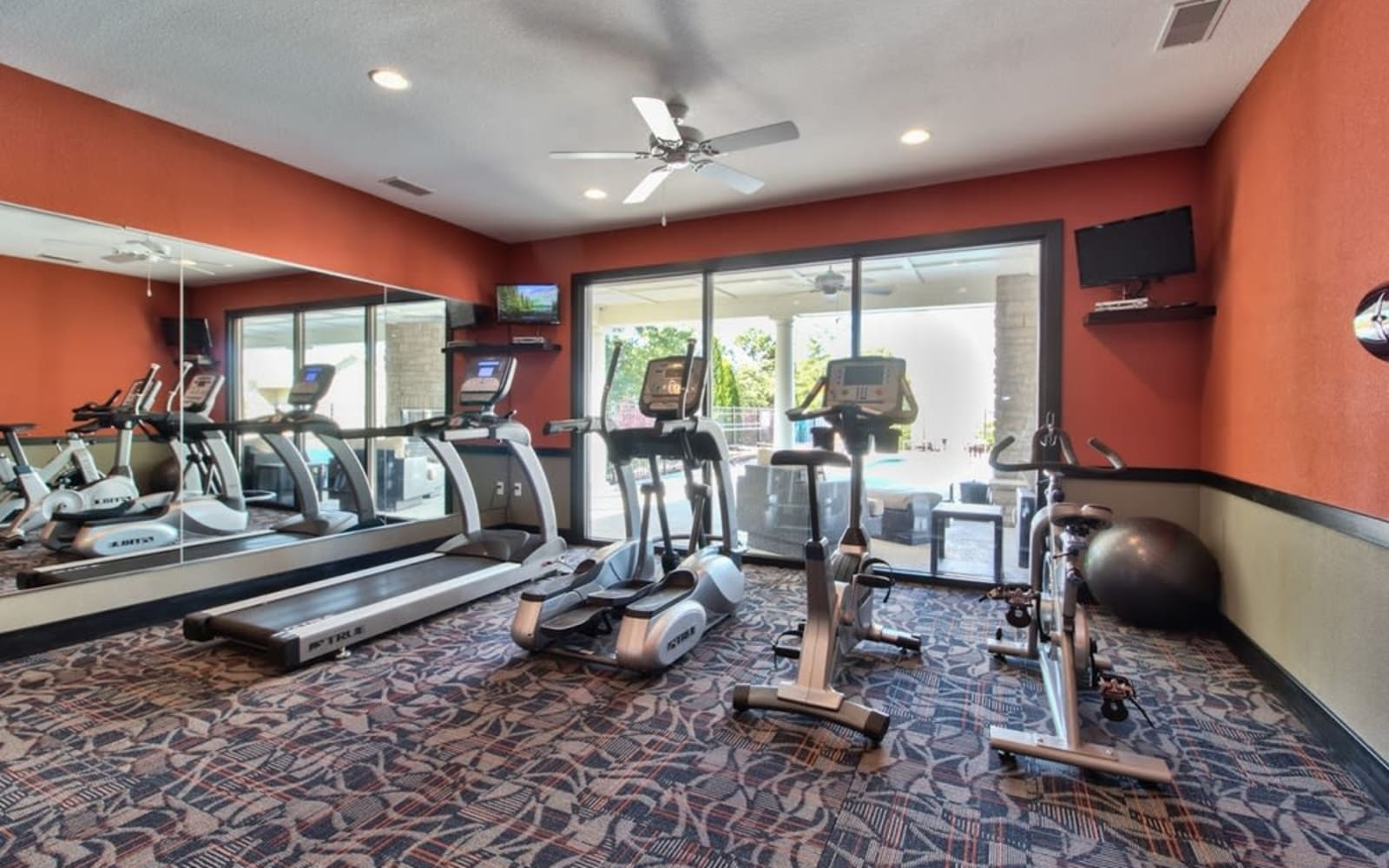 Resident fitness center at Aventura at Mid Rivers in Saint Charles, Missouri.