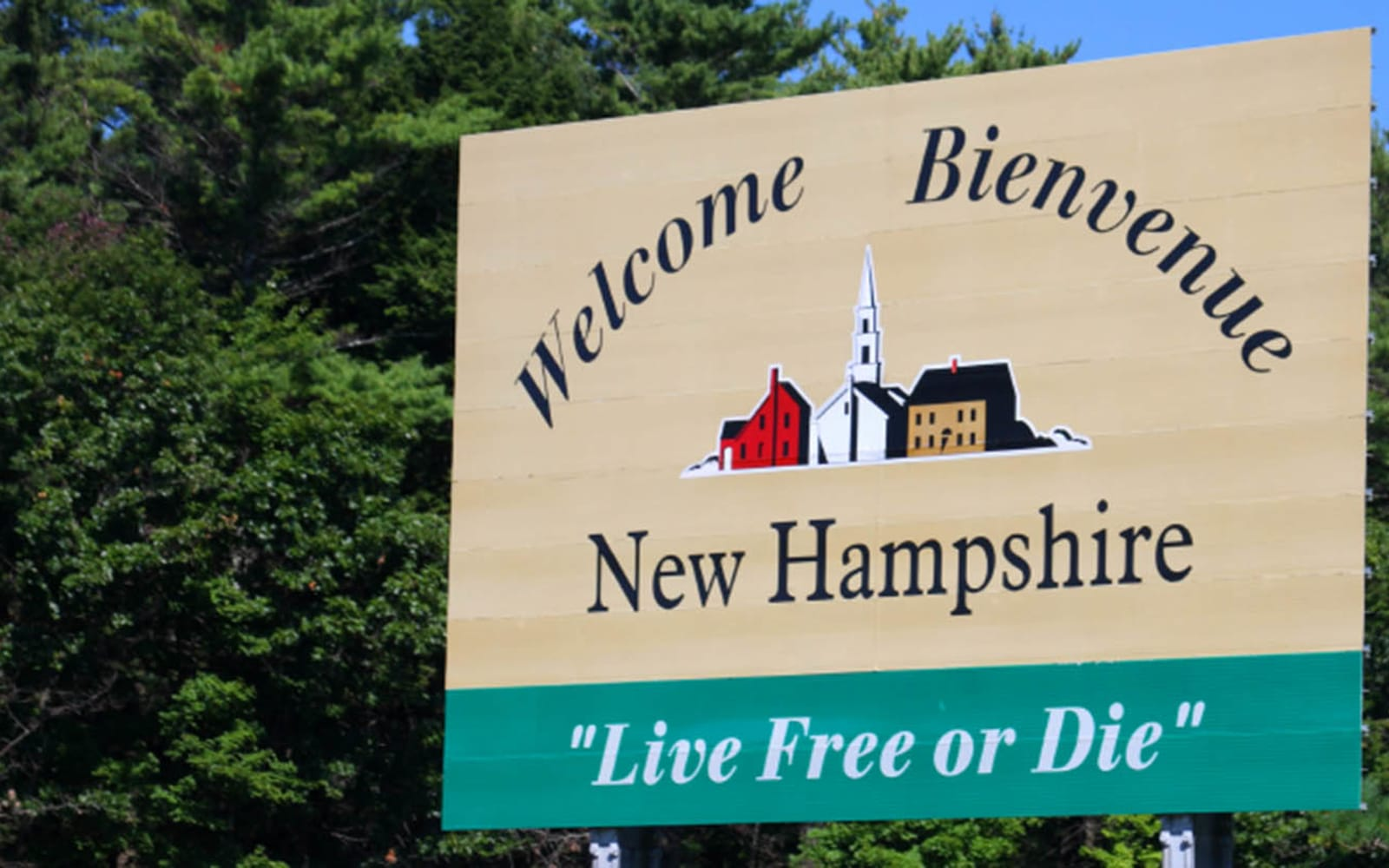 Welcome sign near Westgate Arms Apartments in Salem, New Hampshire
