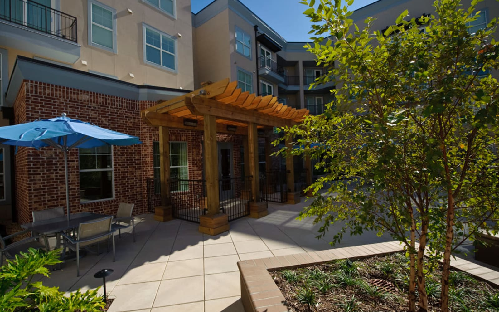 Spacious outdoor walkway at Crescent Club in New Orleans, Louisiana