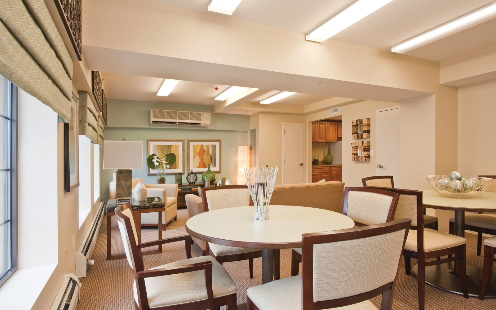 Resident dining table at Markham Gardens in Staten Island, New York