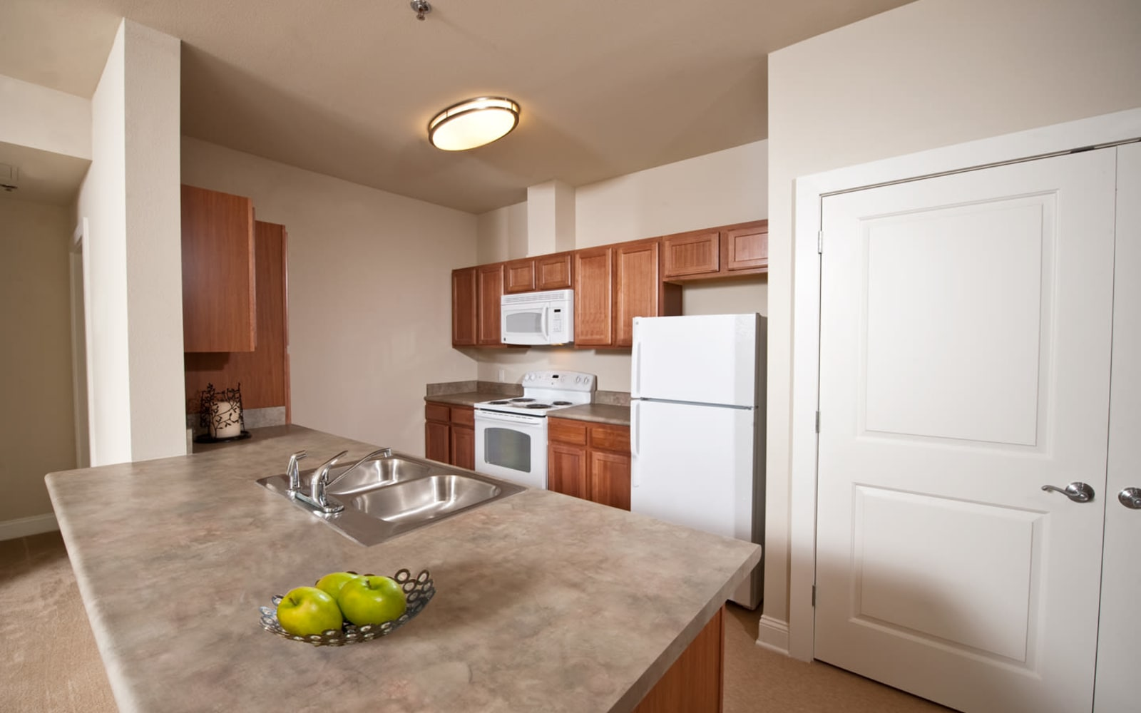 Spacious apartment kitchen at Meridian in New Orleans, Louisiana