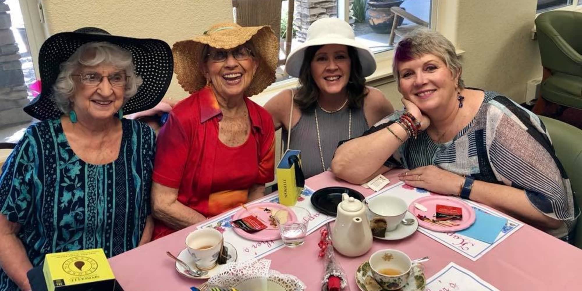 Residents having tea at Paloma Landing Retirement Community in Albuquerque, New Mexico