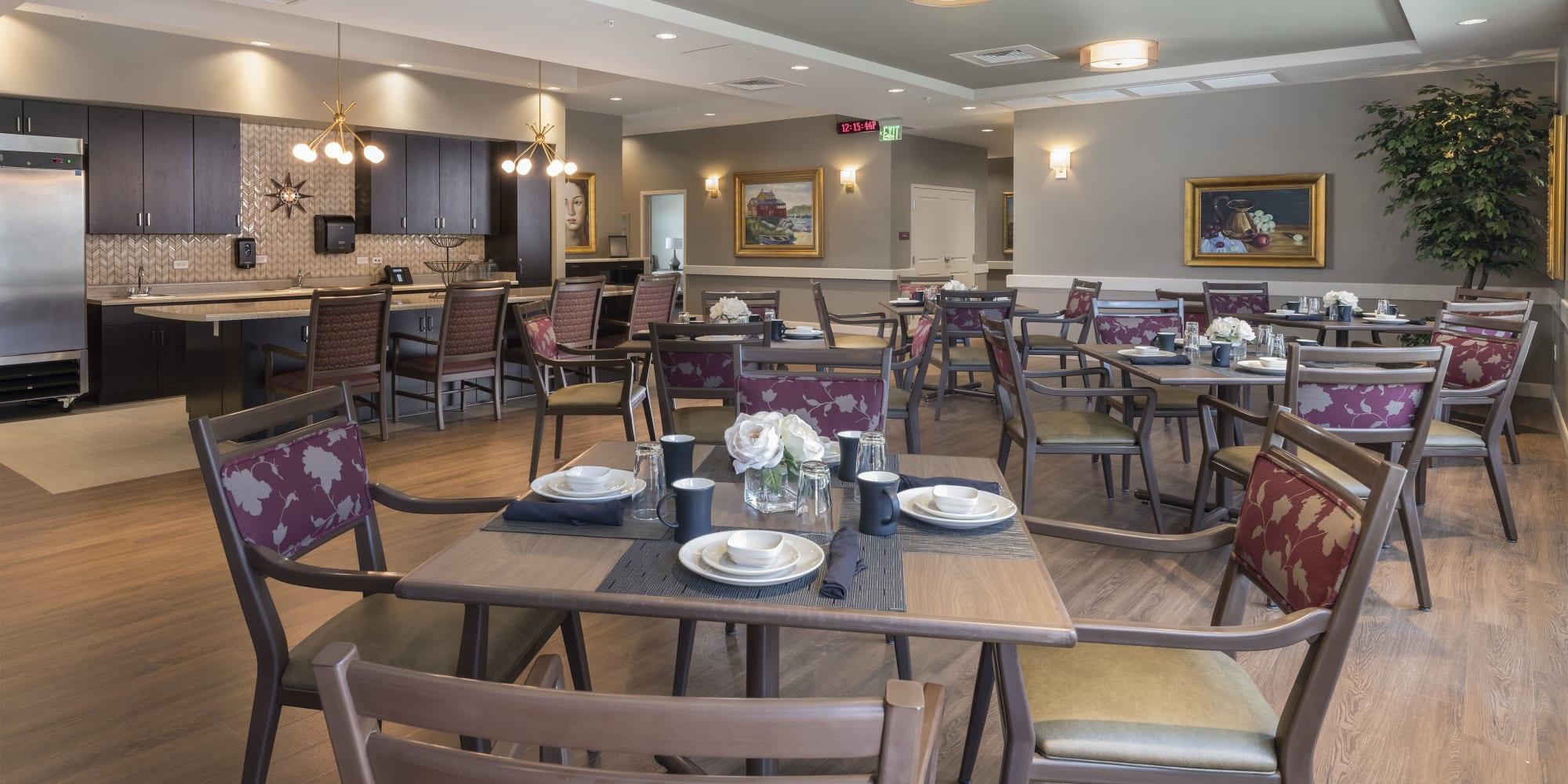A large indoor dining room at Avenir Senior Living in Scottsdale, Arizona