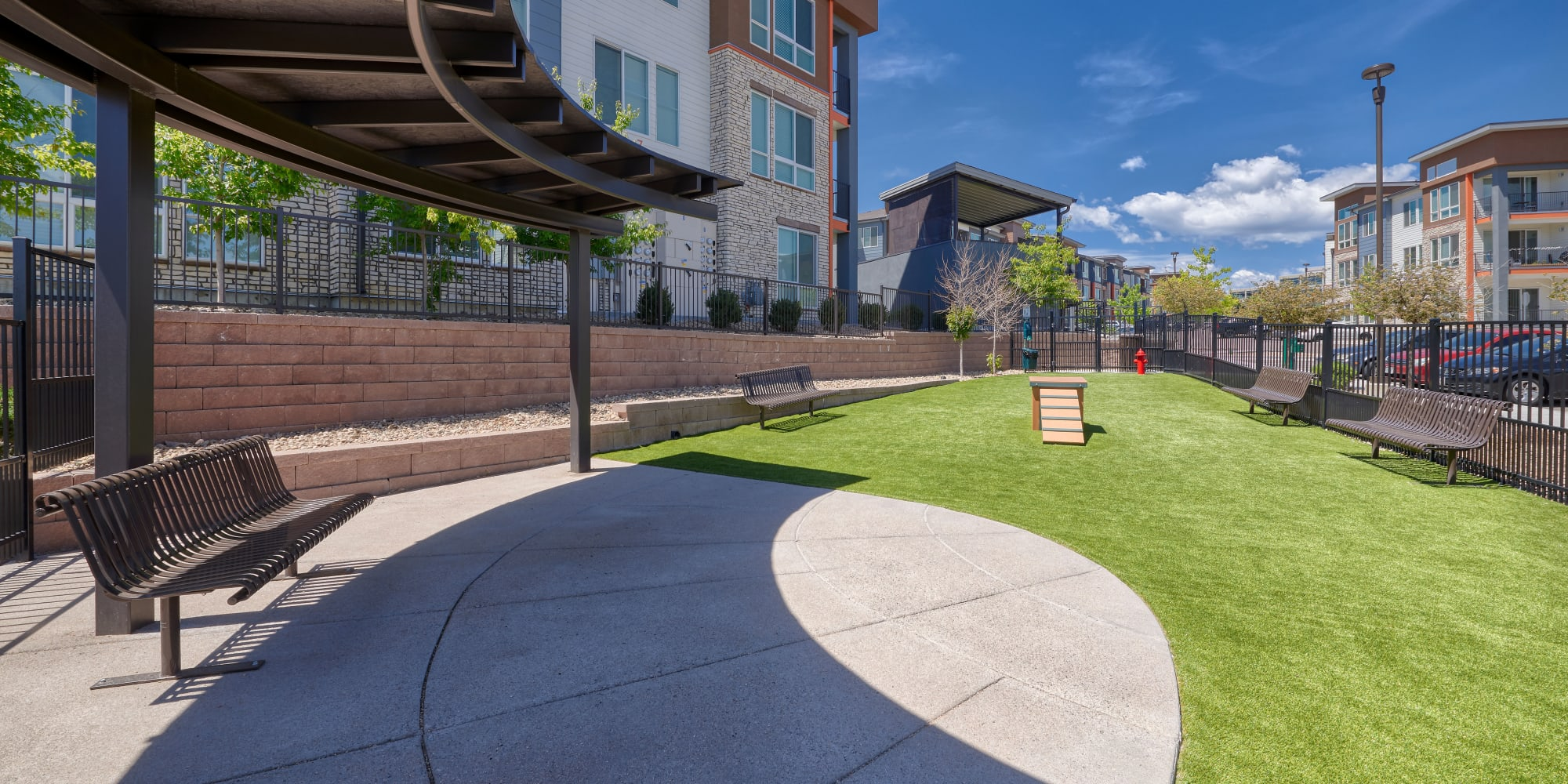 Apartments in Englewood, Colorado at Elevate