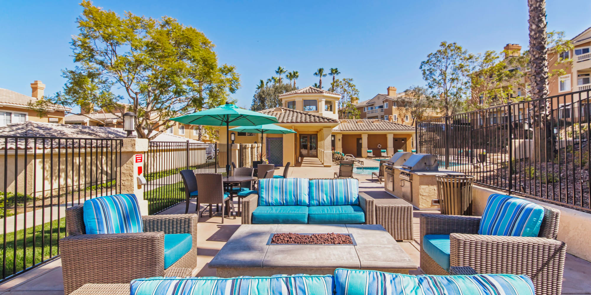 San Diego, California, apartments at Sofi Canyon Hills