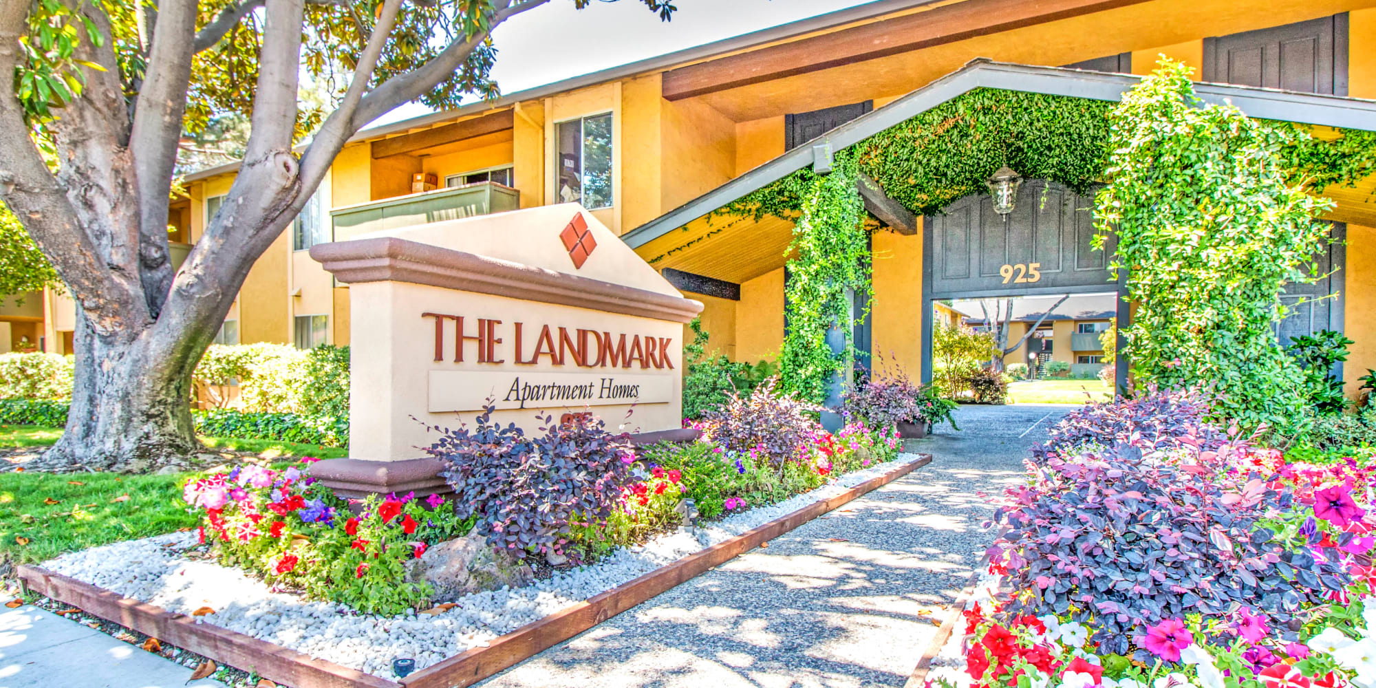 Apartments at The Landmark Apartment Homes in Sunnyvale, California