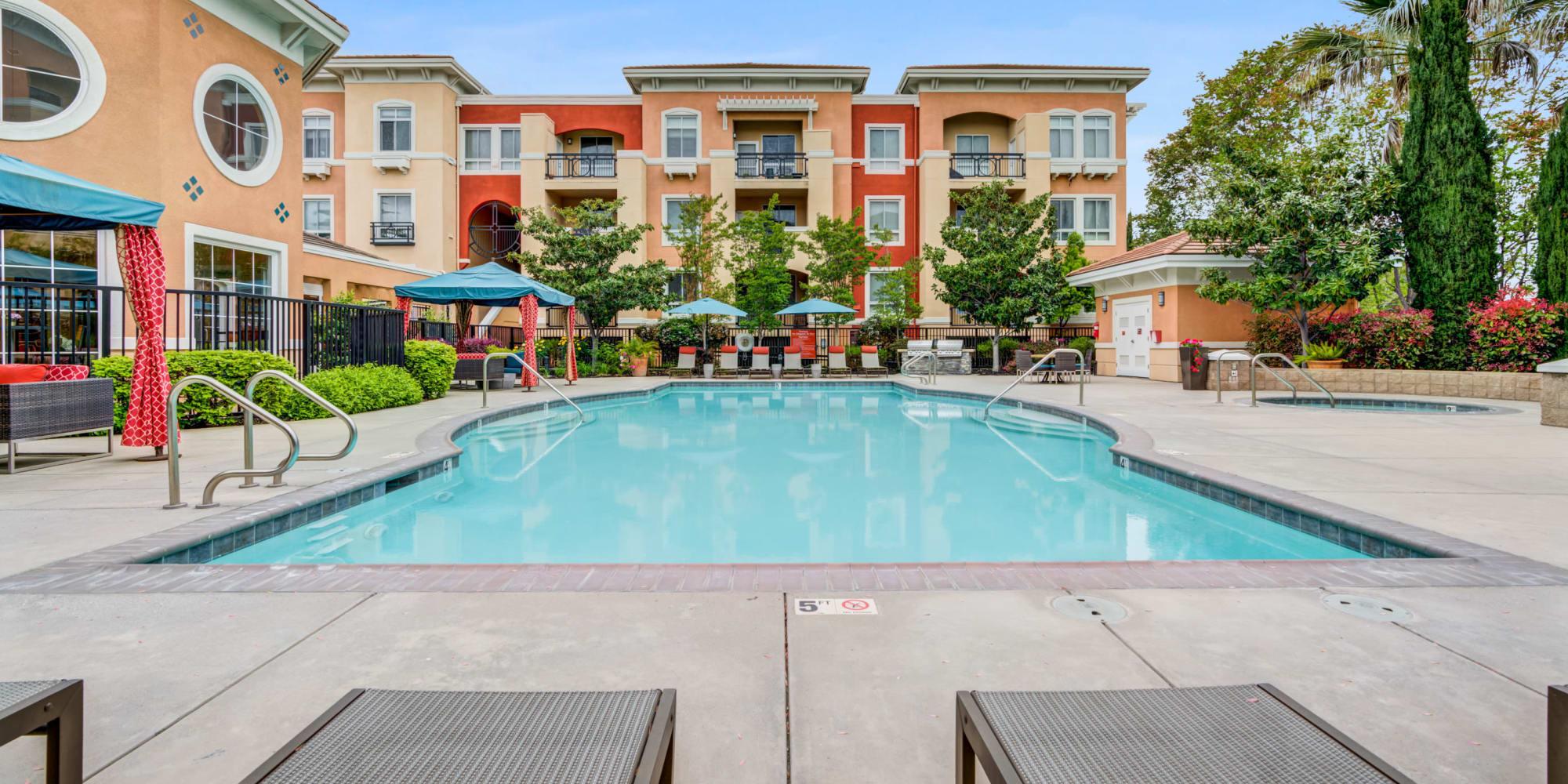Swimming pool at Villa Del Sol in Sunnyvale, CA