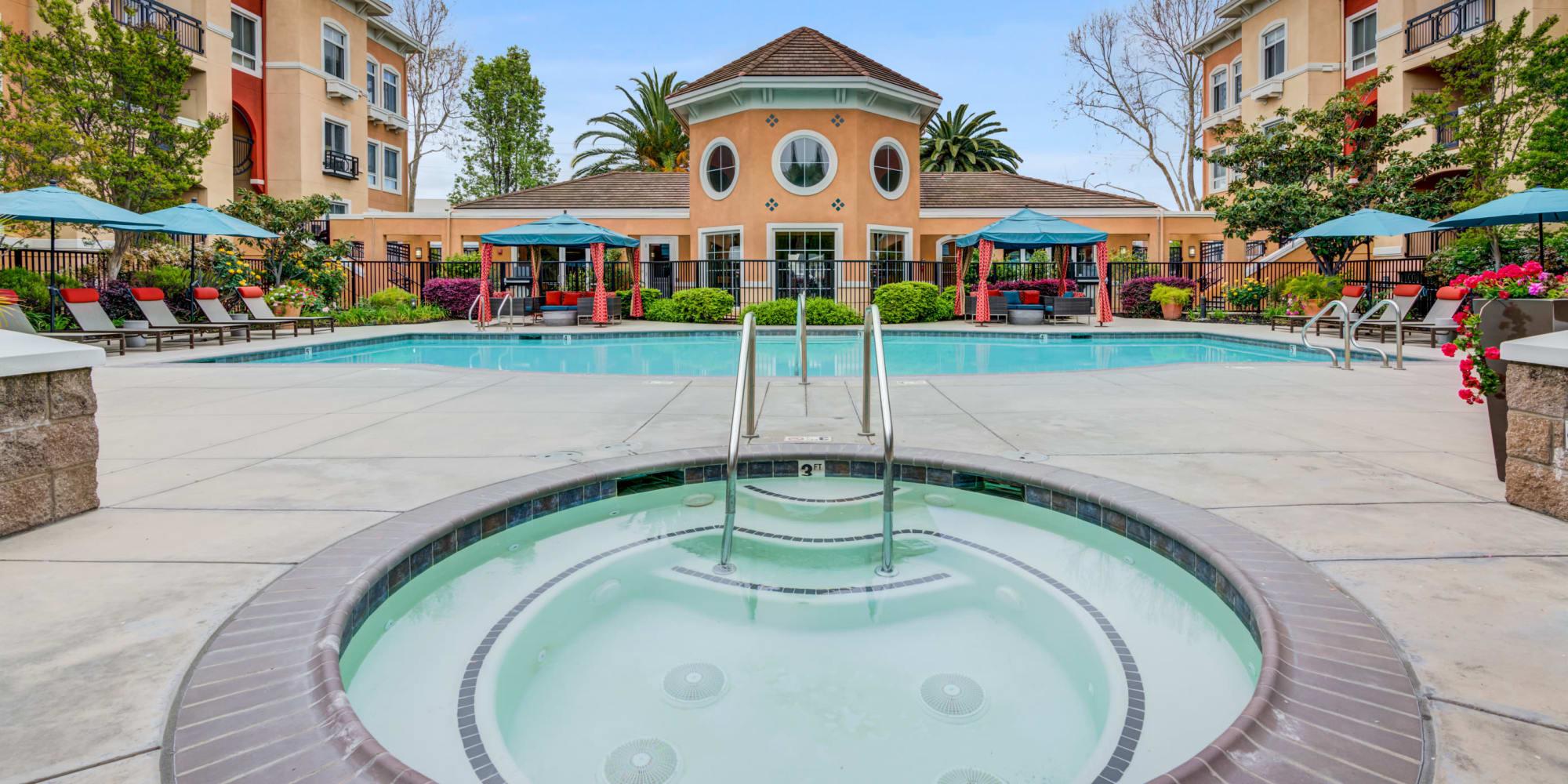 Hot tun near pool at at Villa Del Sol in Sunnyvale, CA