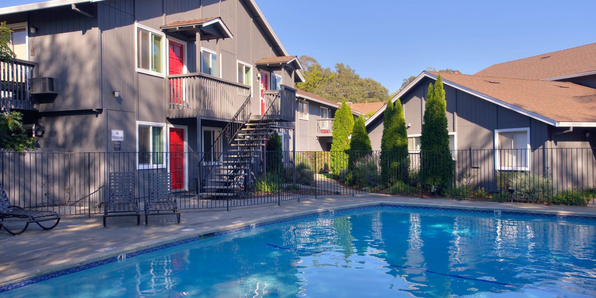 Luxury Spring Lake Apartment Homes in Santa Rosa, California
