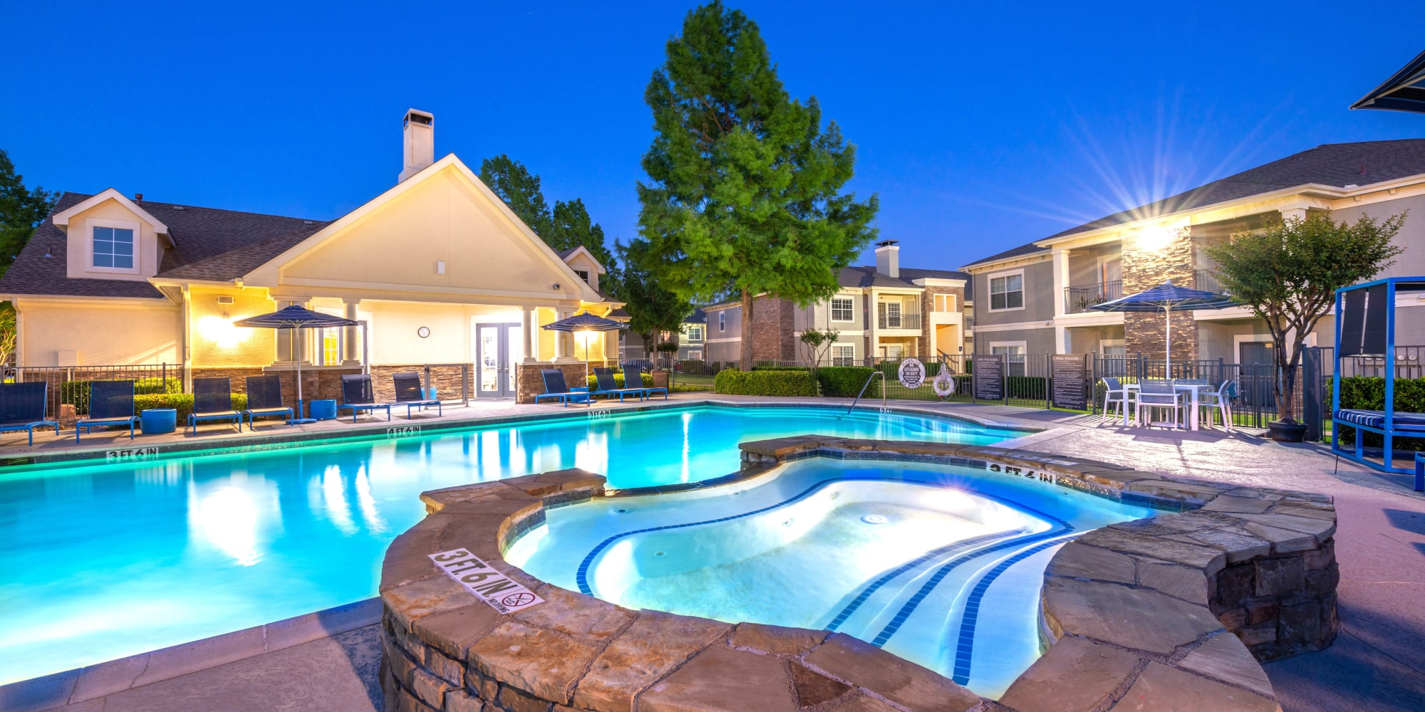 Keller, Texas, apartments at Olympus Stone Glen