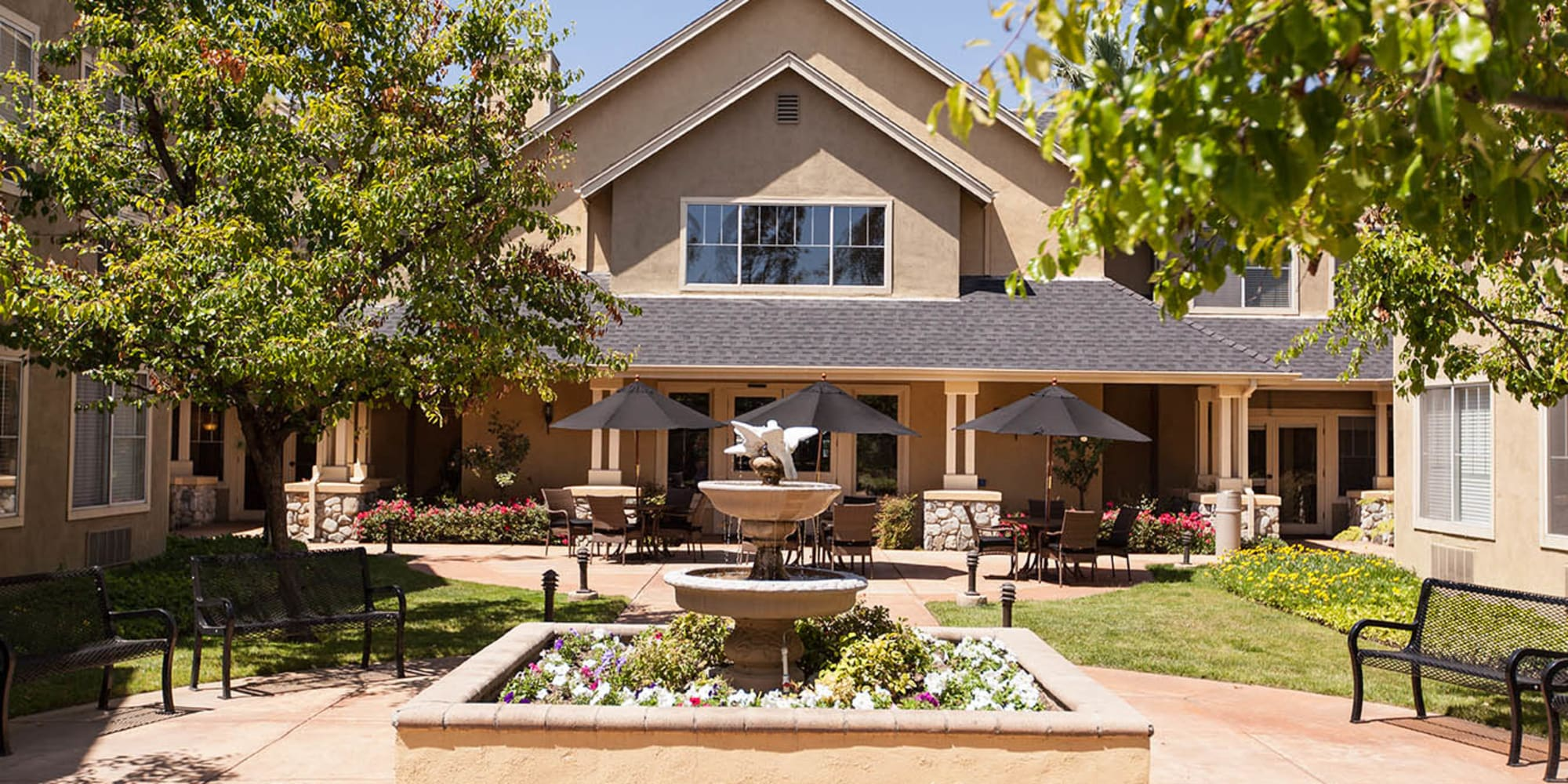 Senior living at Claremont Place in Claremont, California