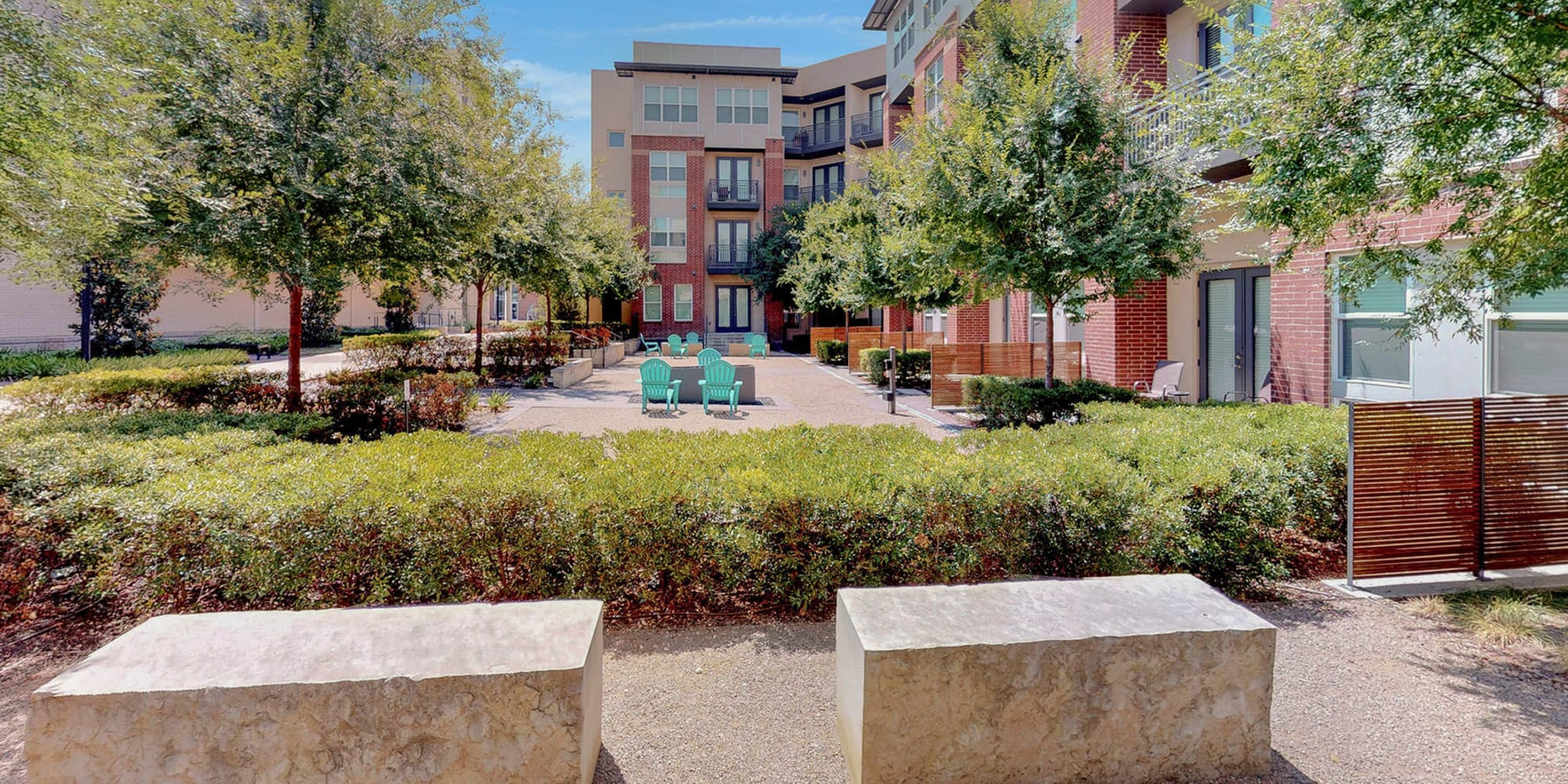 Luxury apartments at Oaks 5th Street Crossing City Center in Garland, Texas
