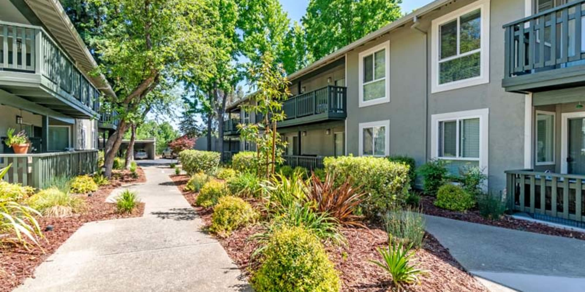 Take a virtual tour of our community at Pleasanton Glen Apartment Homes in Pleasanton, California