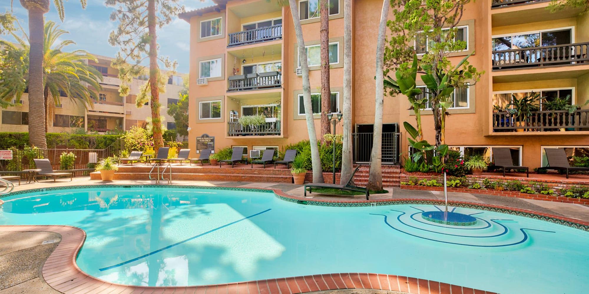 Resort-style swimming pool at Casa Granada in Los Angeles, California