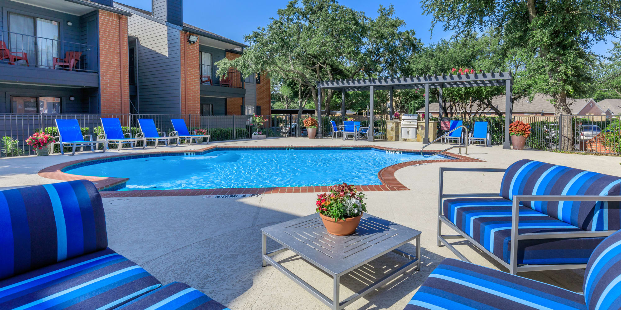 Apartments at Windmill Terrace in Bedford, Texas