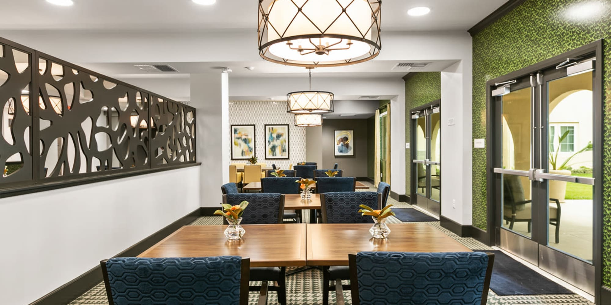 Senior living in Fallbrook, California at Estancia Senior Living Dining Area