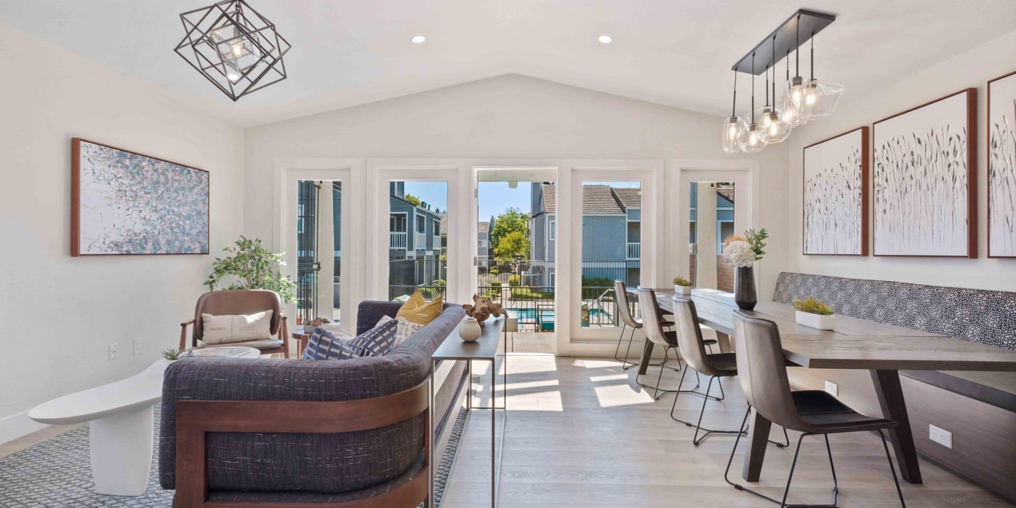 Haven Martinez offers a Bedroom in Martinez, California