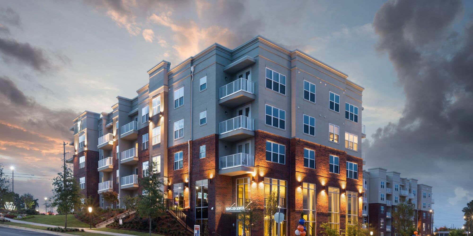 Apartments in Charlotte, North Carolina at 8 Metro Station