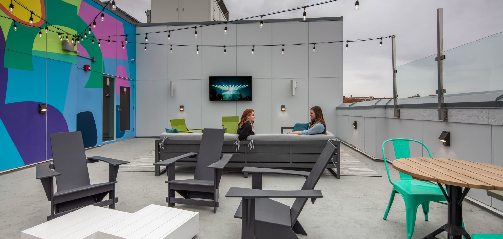 Outdoor lounge area at evolve on Main in Pullman, Washington