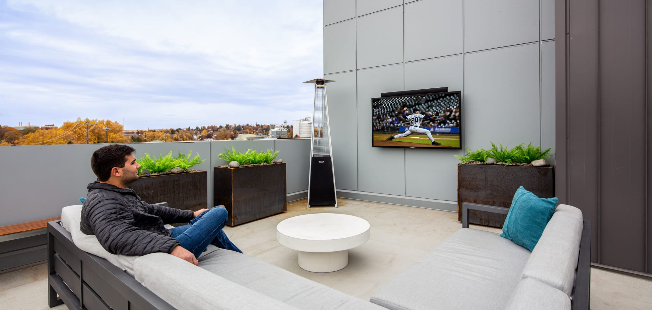 Community rooftop lounge at IDENTITY Moscow in Moscow, Idaho