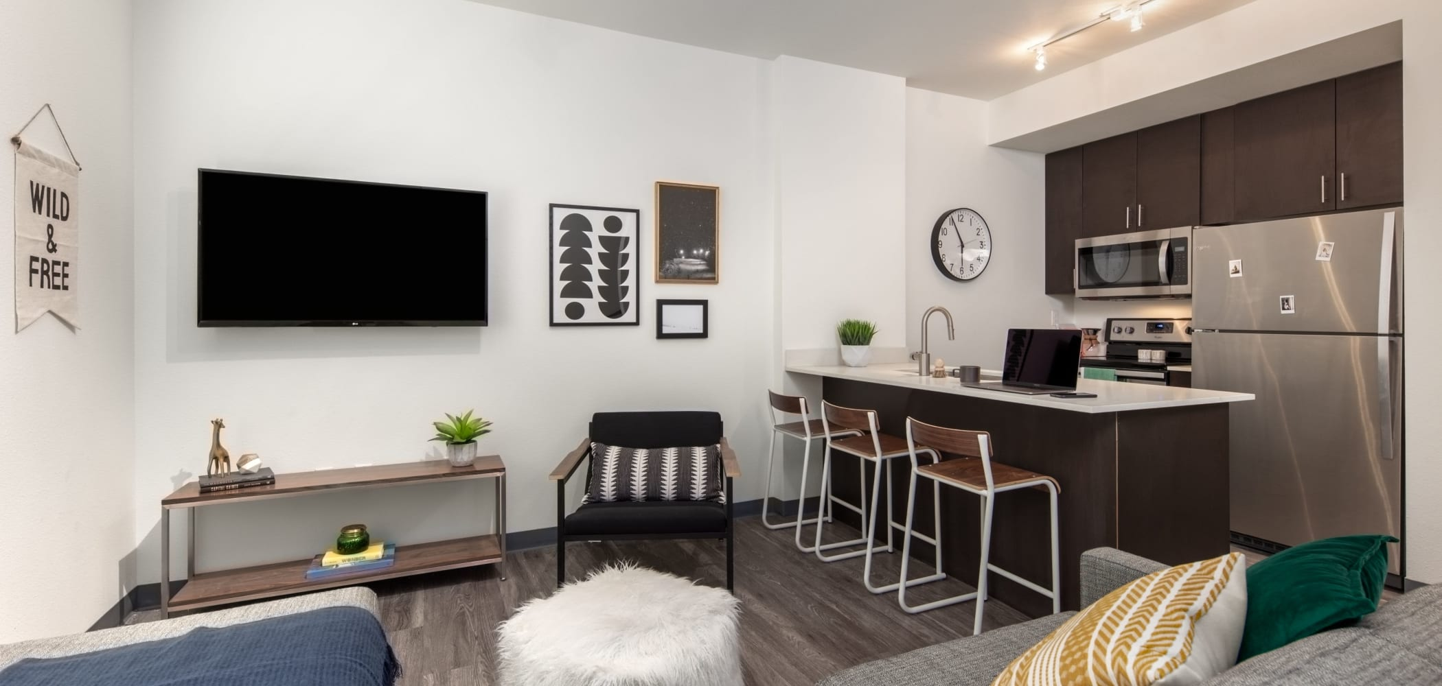 Living room with a smart TV at IDENTITY Moscow in Moscow, Idaho