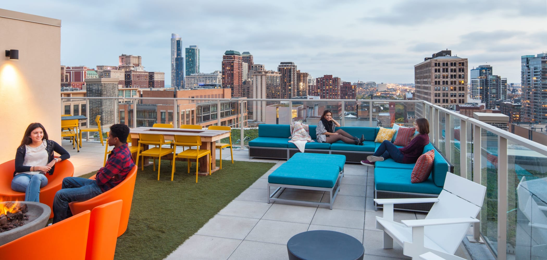 Outdoor lounge at Arc at Old Colony in Chicago, Illinois