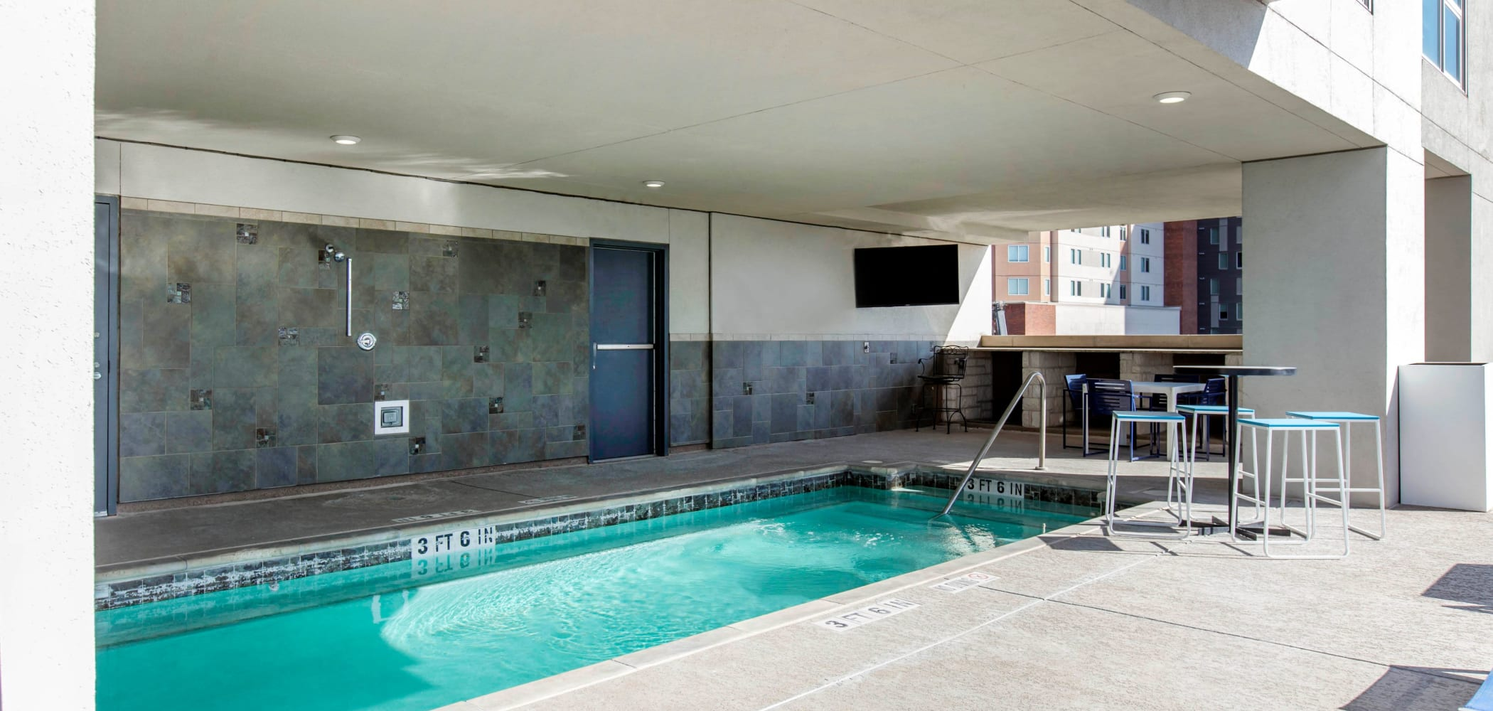 Resort-style swimming pool at 21 Rio in Austin, Texas