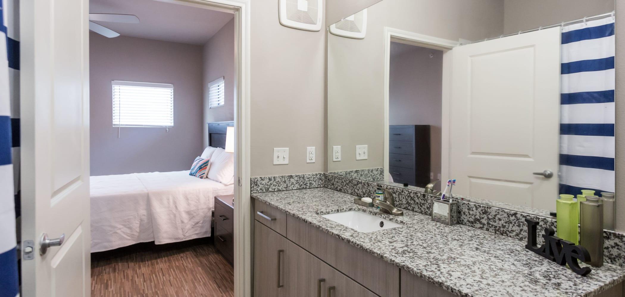 Clean bathroom at Texan 26 in Austin, Texas