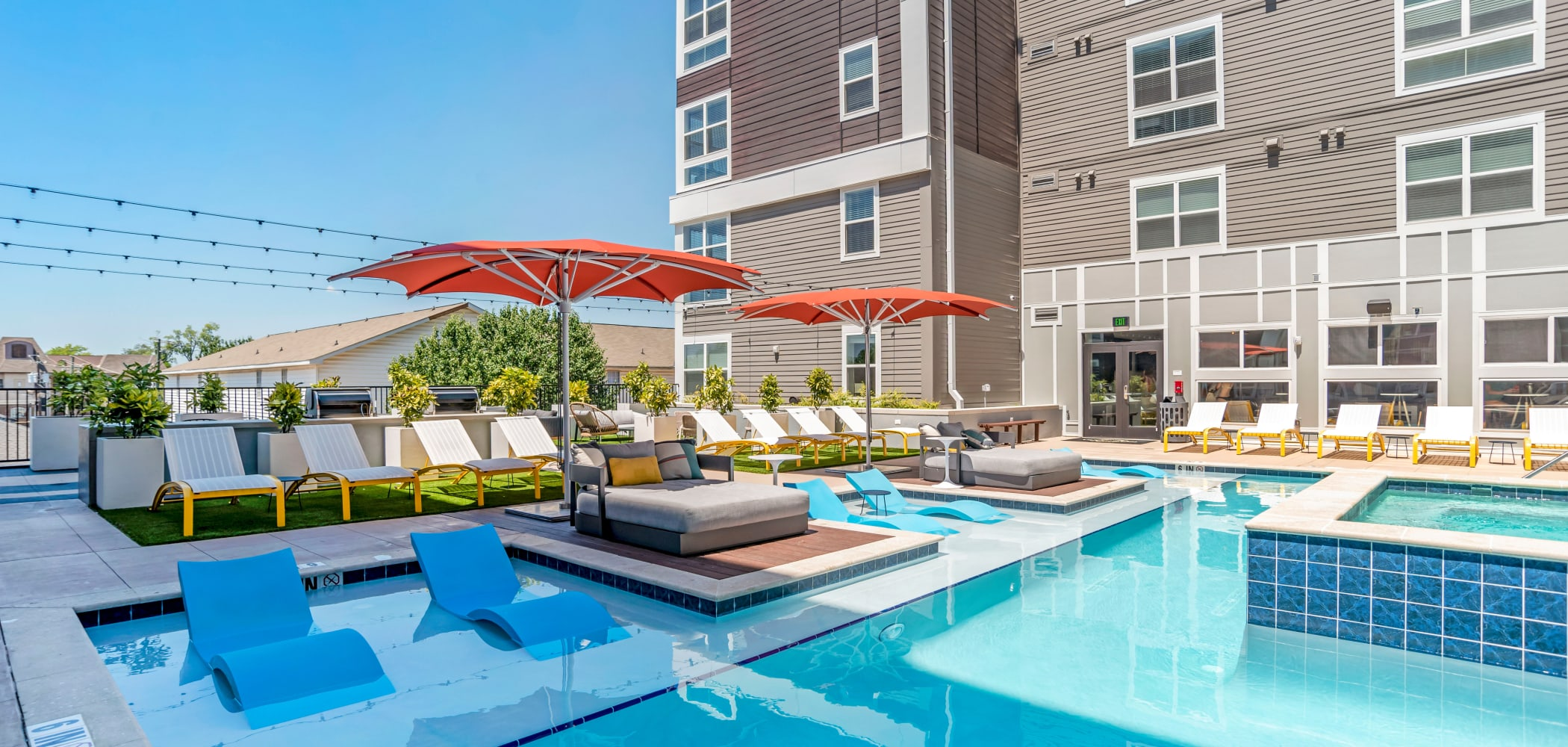 Rooftop Sun Deck with Day Beds & Lounge ChairsUNCOMMON Tuscaloosa in Tuscaloosa, Alabama