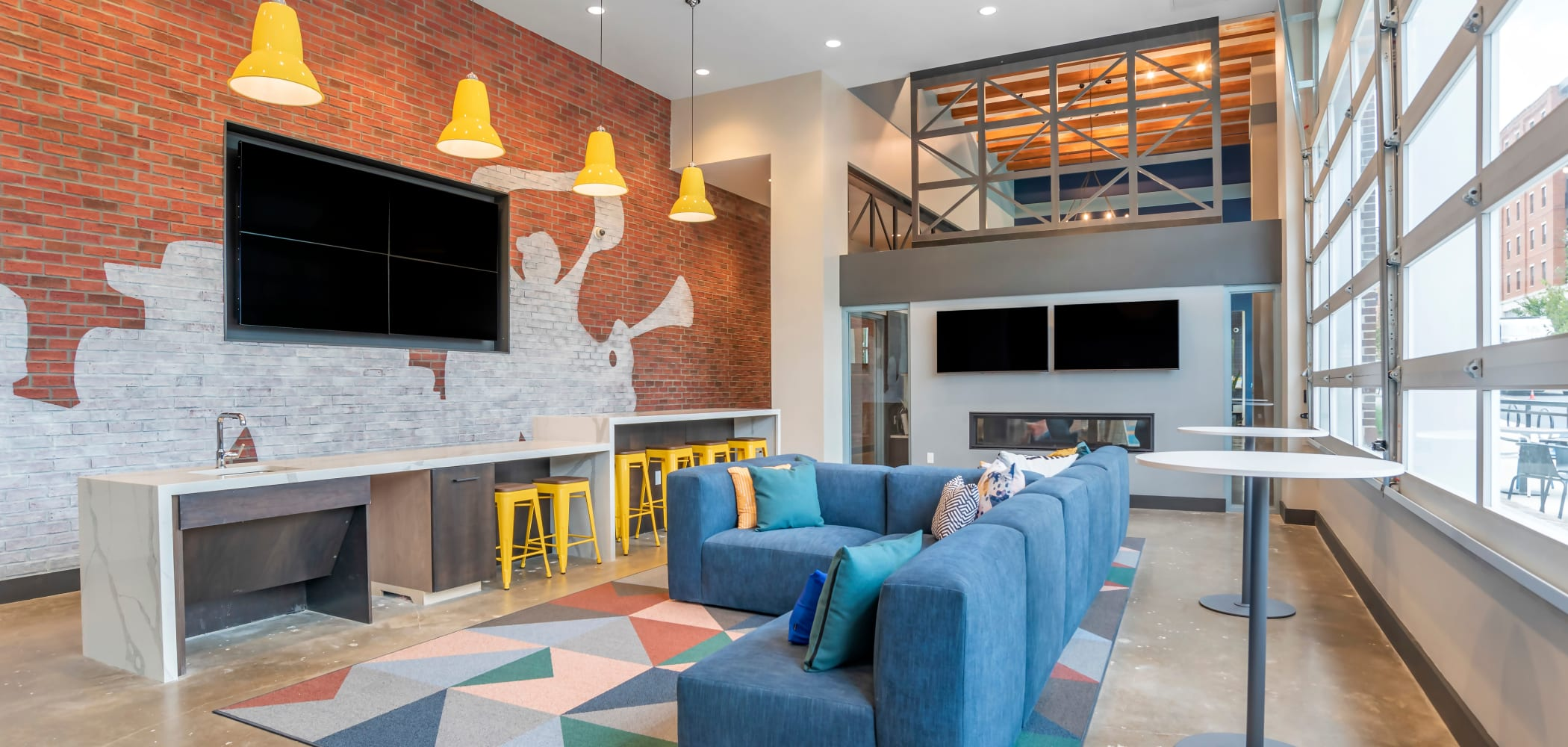 Relaxing clubhouse lounge at UNCOMMON Auburn in Auburn, Alabama