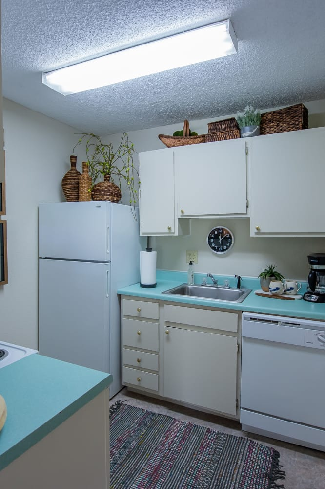 Bright kitchen at Summerfield Place Apartments in Oklahoma City, Oklahoma