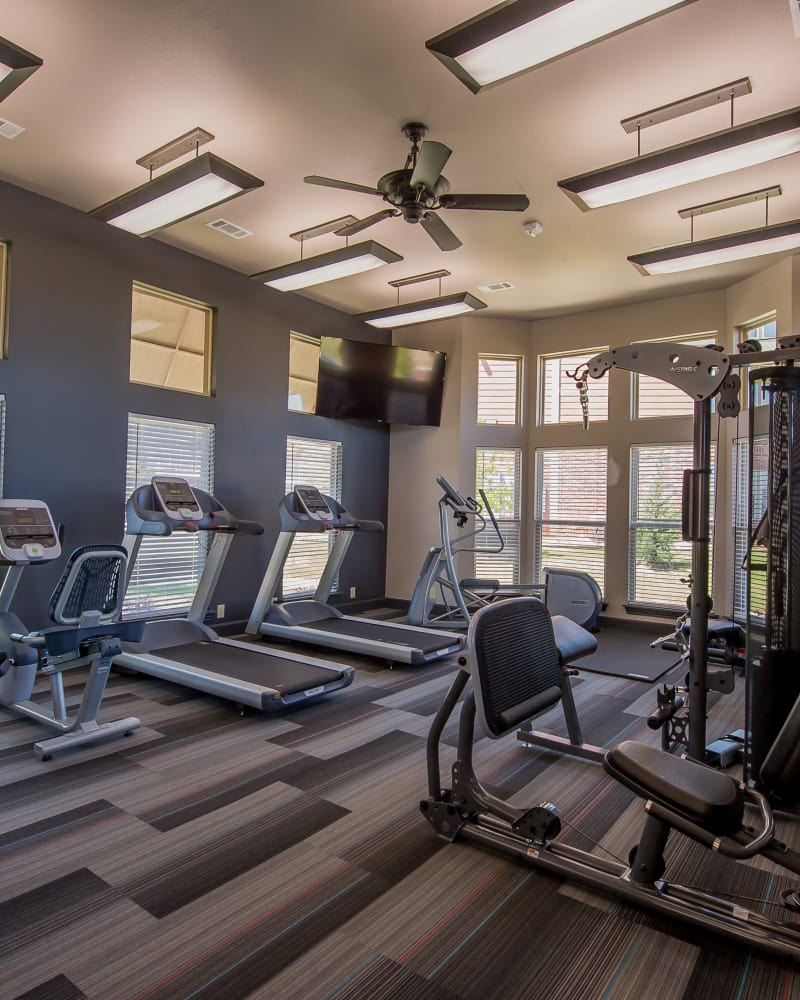 Fitness center at Icon at Hewitt in Hewitt, Texas