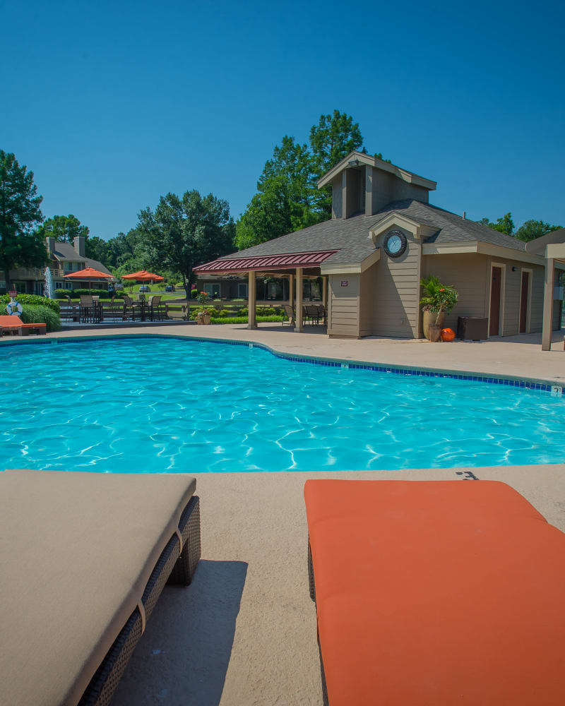 Resort style pool at Sheridan Pond in Tulsa, Oklahoma