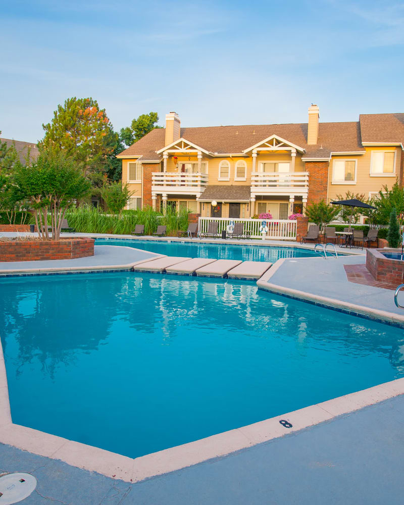 Resort style pool at The Courtyards in Tulsa, Oklahoma