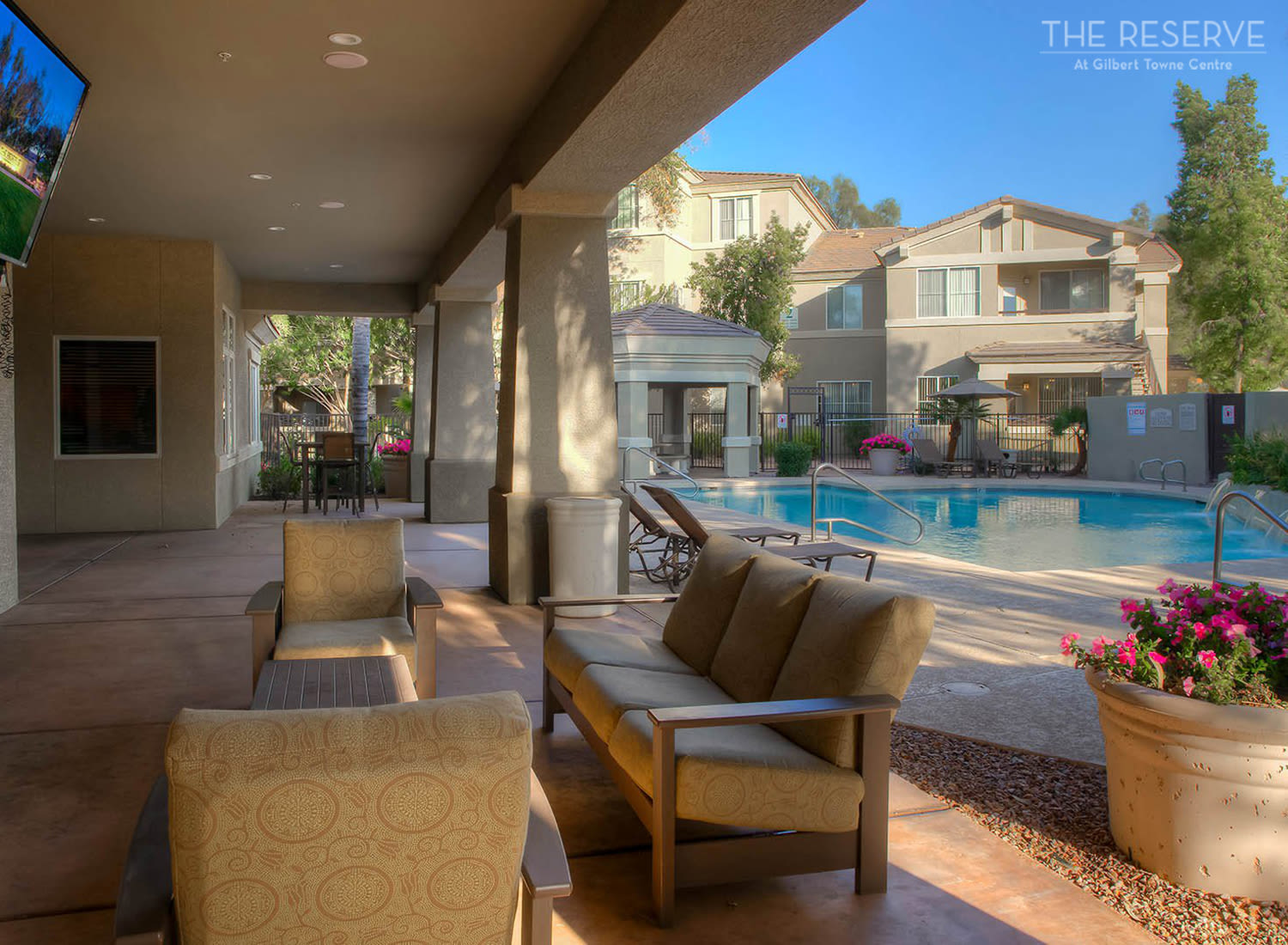 The Reserve at Gilbert Towne Centre apartments in Gilbert, Arizona