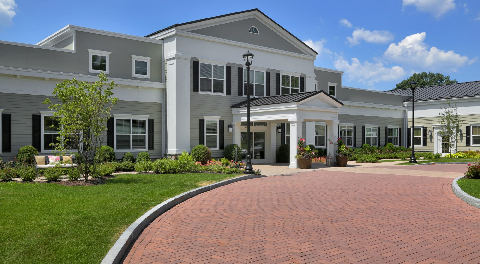 Senior living at Maplewood at Strawberry Hill in East Norwalk, Connecticut