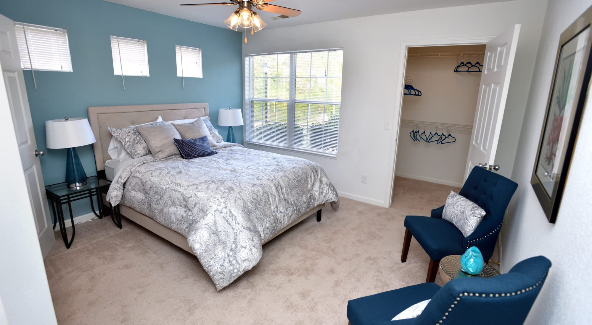Akron, OH Apartments in Merriman Valley | Cascade Falls