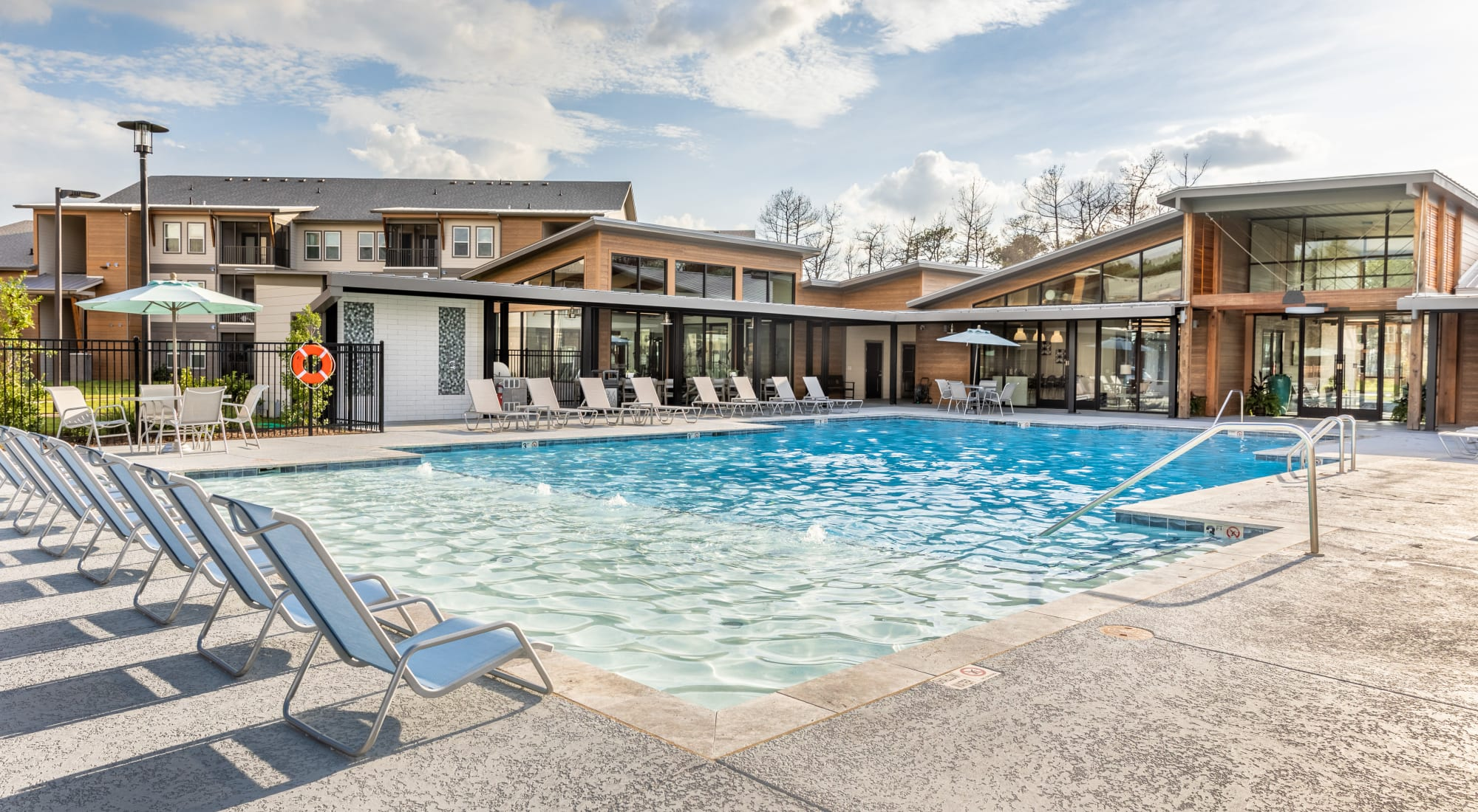 Apartments at Villa Westlake in Westlake, Louisiana