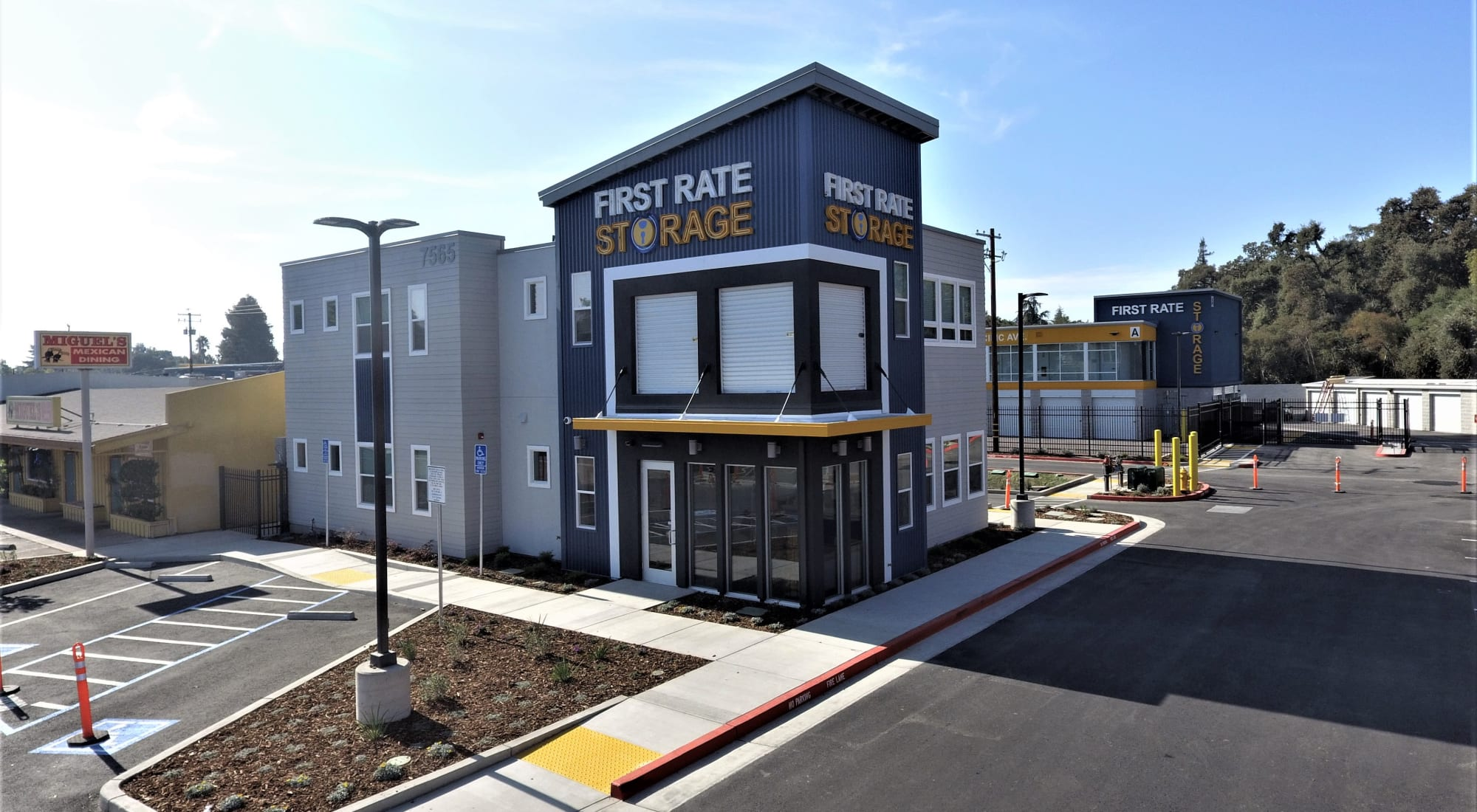 Self storage in First Rate Storage in Stockton, California