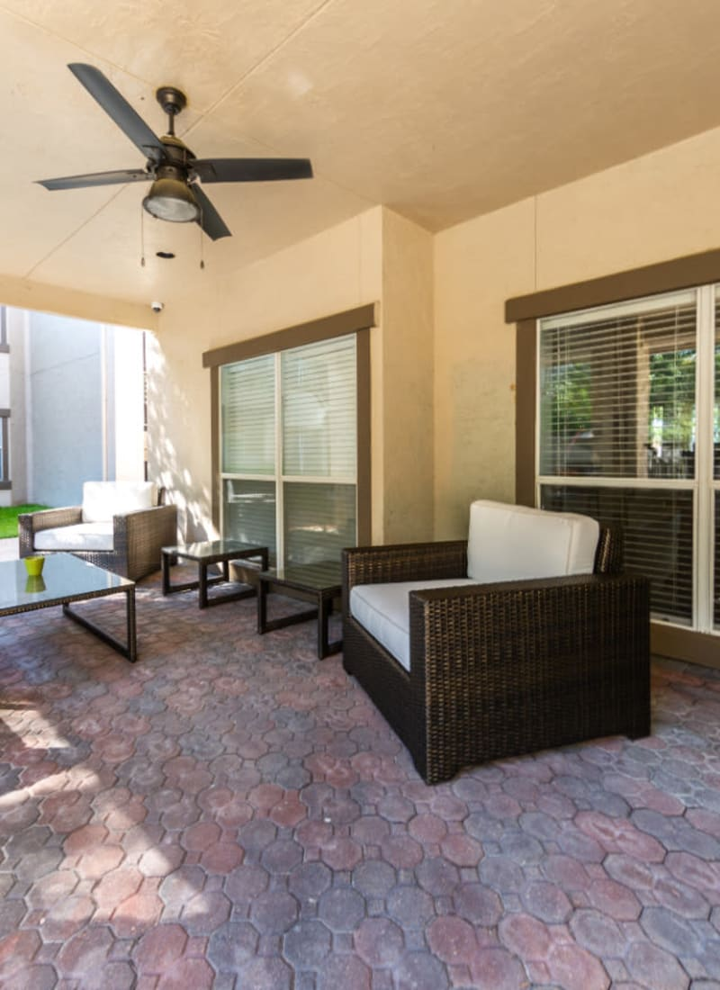 Outdoor dining area at Marquis at Ladera Vista in Austin, Texas