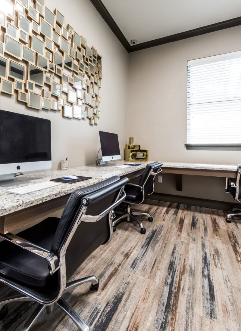Resident business center Marquis at Stonebriar in Frisco, Texas